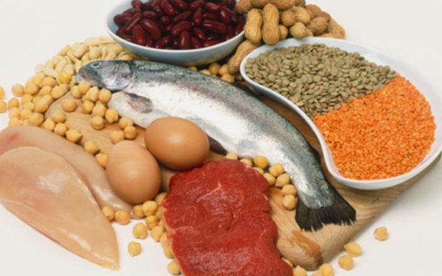Как правило, для обеспечения организма необходимым количеством аминокислот вполне достаточно двух-трех порций пищи, которая богата белками