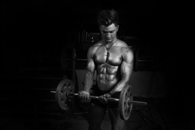 Это говорит о том, что выброс анаболических гормонов зависит не столько от креатина, сколько от увеличения интенсивности тренировок под его влиянием