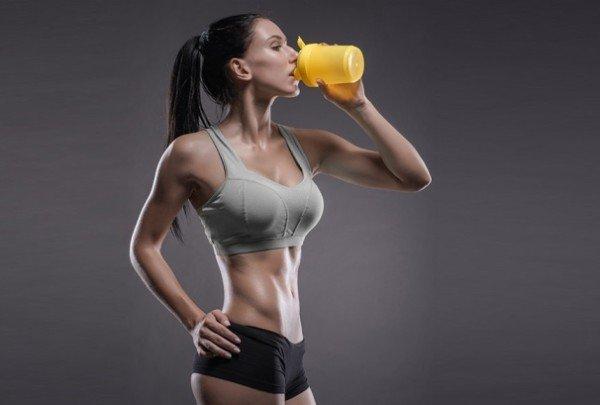 Протеин имеет более серьезный состав и обладает большей эффективностью в случае применения в течение всего дня